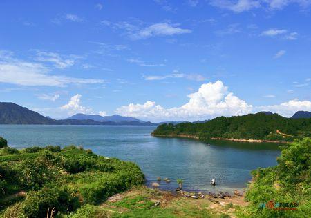 黄山太平湖,翡翠谷风景真的不错!绝对能出作品.去!算我一个!
