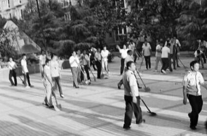 山东蓝翔高级技工学校副校长带老师学生到河南商丘与校长荣兰祥岳父一家打架