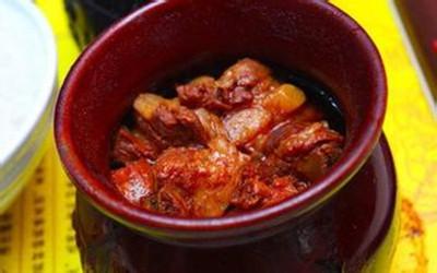 瓦罐香沸特色快餐是当前市场中最活跃的中式快餐