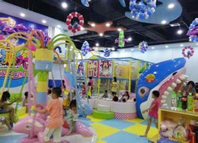 星期六儿童乐园加盟费用很低实现创业赚钱的好项目