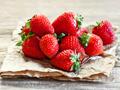 草莓有点烂还能吃吗?保存草莓的正确方法