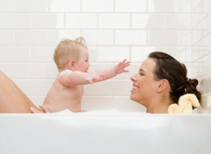 宝宝洗澡注意事项