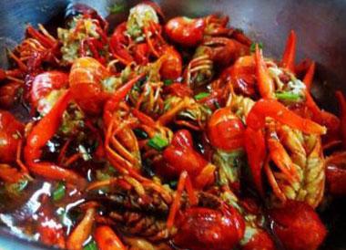 小龙虾吃什么?常见的小龙虾主要吃什么