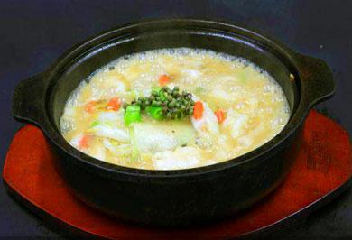 辣百客啵啵鱼快餐