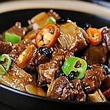 香脆酸辣色香味俱全-秘制地锅鸡做法揭秘