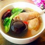 浓郁鲜香江苏传统名菜——香菇鸡怎么炖制