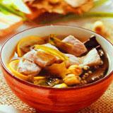 荷叶薏米煲瘦肉汤怎么做?