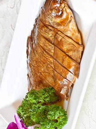 装蒜黄鱼是哪里的特色菜?怎么做