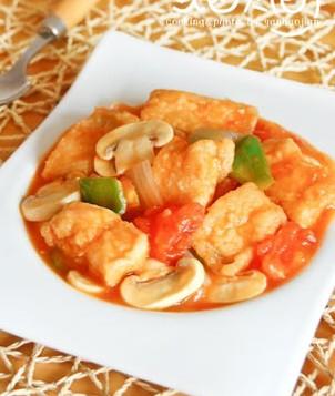 美味茄汁蘑菇鱼块