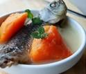 【推荐】冬季暖胃木瓜鲫鱼汤的做法