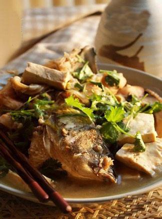 春季食疗美食系列之红烧鲤鱼炖豆腐