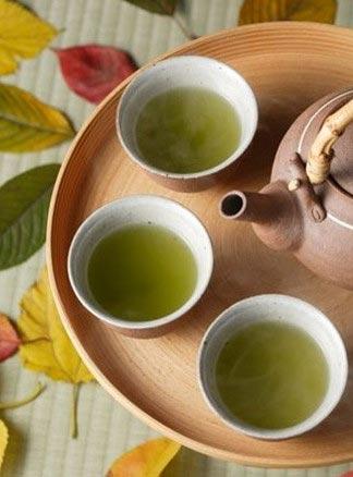 食疗养生:春茶滑虾 美食狠减肥/图