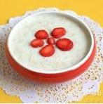8个月宝宝最爱草莓麦片粥