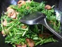 鲜虾炒茼蒿