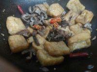 油豆腐焖大肠