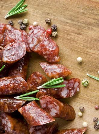 灌香肠用什么肉好?灌香肠一斤肉放多少盐