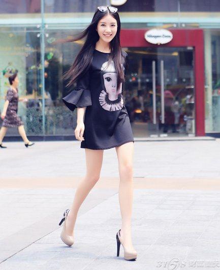 2014重庆美女街拍 长腿美女如云