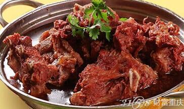 老北京羊蝎子火锅店是著名的羊蝎子火锅品牌,拥有降低了脂肪含量,老