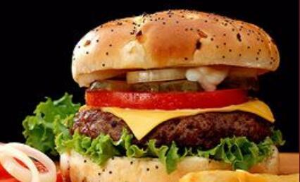 貝克漢堡快餐需要多少錢?主要包括哪些費用?