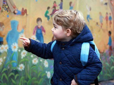 英国乔治小王子上幼儿园首日