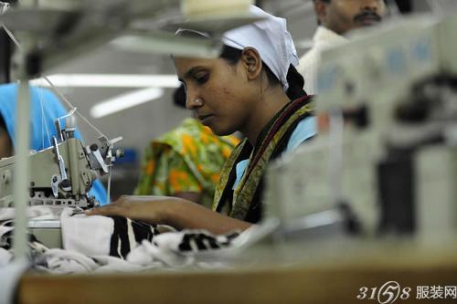 孟加拉服装厂接受建筑安全检测