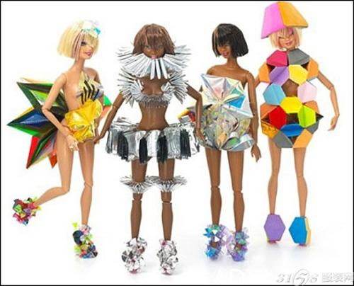 芭比娃娃店开张 设计师量身打造服装