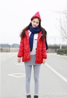 很日韩的搭配风格,在寒冷的冬季里绝对上闪亮的一个