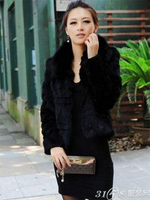 2014冬季黑色女式兔毛皮草怎么搭配才好看