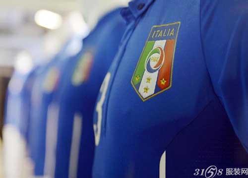 2014年巴西世界杯意大利国家队球服图片