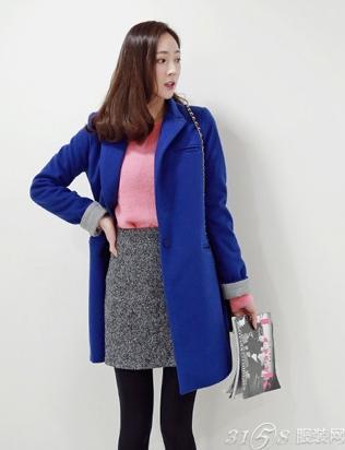 宝蓝色呢子大衣搭配 穿出你的时尚气场!图片