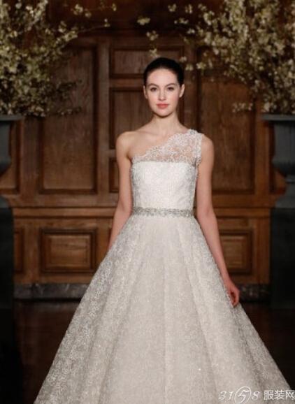 欧美唯美婚纱照图片 美得圣洁的婚纱