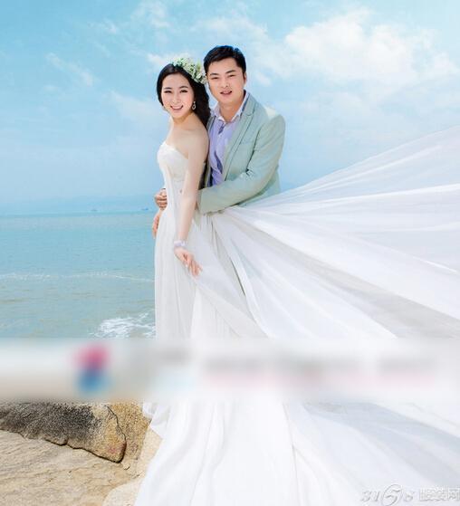 海滩婚纱礼服_海滩礁石飘纱婚纱照片