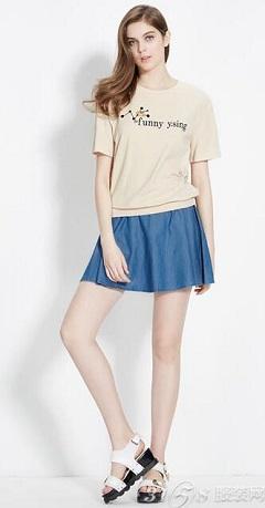 米色t恤怎么搭配-3158服装加盟批发网