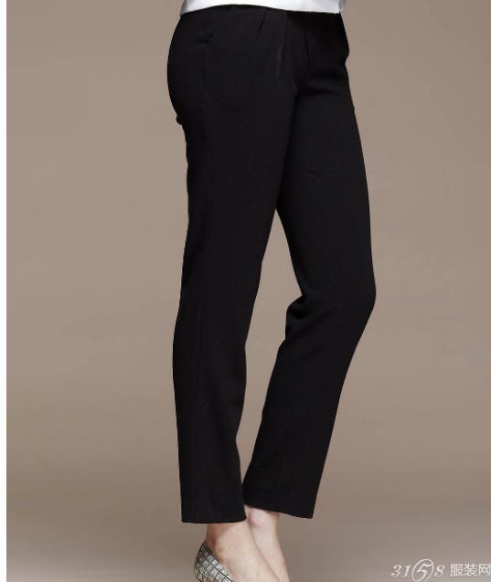 黑色裤子粘毛怎么办