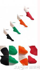 彩色袜子搭配什么