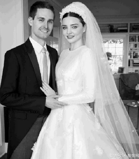 米兰达可儿婚纱照曝光 米兰达可儿绝美婚纱照