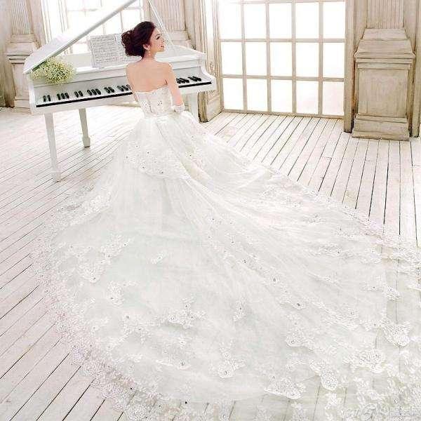租套新娘婚纱礼服多少钱?