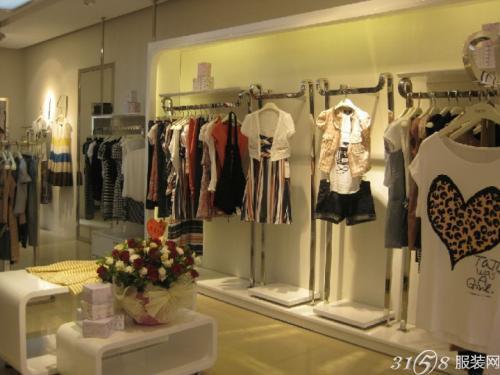 夏末换季服装店铺经营应该怎么做?