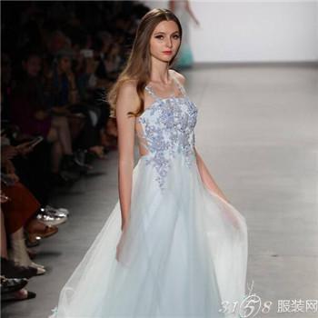 2018春夏纽约时装周 刺绣婚纱流行趋势