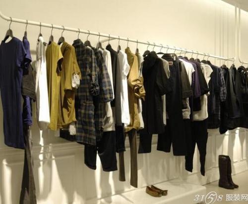开好品牌服装连锁店要注意什么?