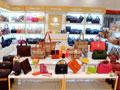 开女包加盟店如何成功吸引客户?