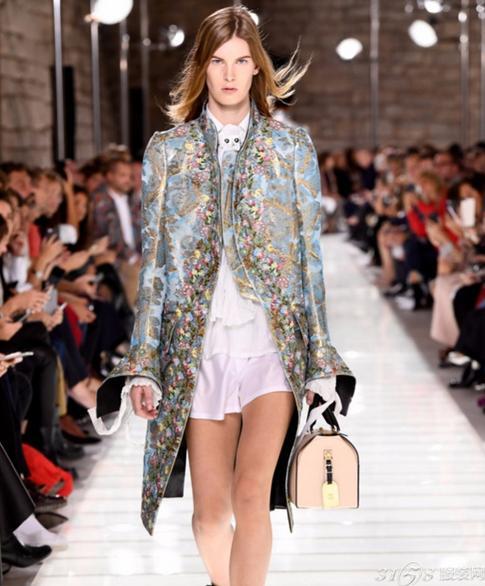 路易威登于巴黎时装周发布2018春夏系列时装秀
