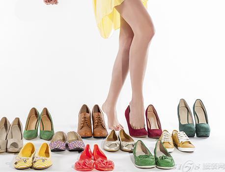 小腿粗的女生秋天穿什么鞋子