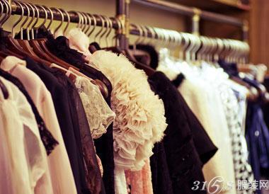 服装加盟店怎么制定服装价格