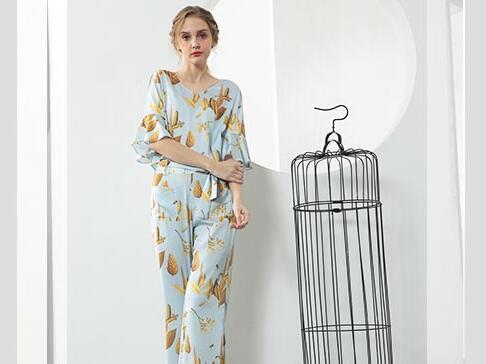 开一家佰莉衣橱女装加盟店有哪些条件