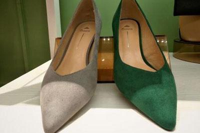 加盟大东女鞋专卖店一共多少*