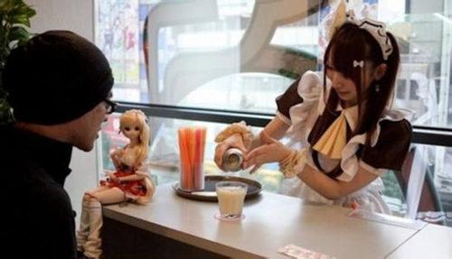 創業開一家女仆咖啡店