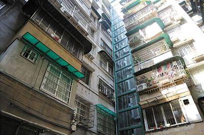 荔湾有19栋旧楼成功加装电梯加装后带来迷你阳台