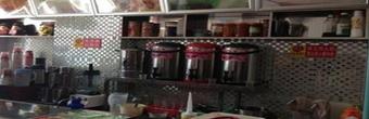兰州三位女研究生开奶茶店