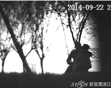 网曝四川什邡教育局纪委书记与下属小树林里偷情